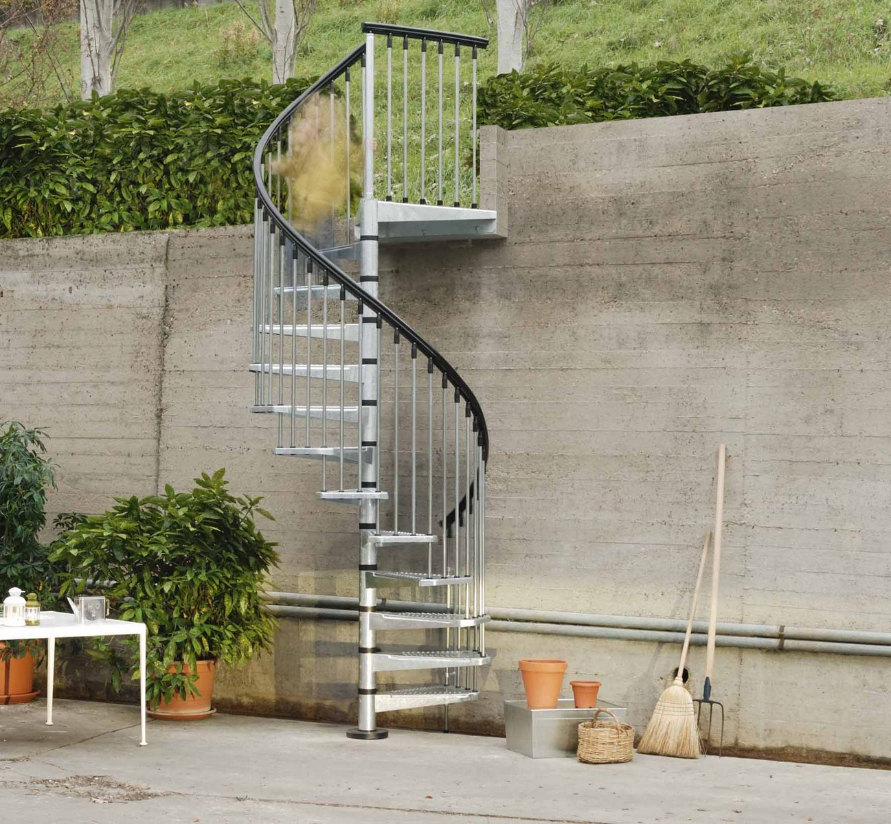 Metal outdoor spiral staircase exterior stairs for Exterior stairs